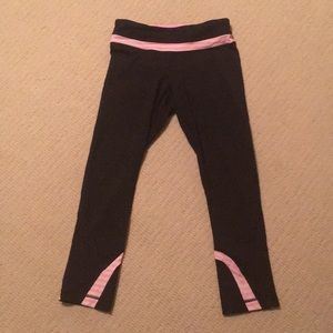 Women's Lululemon Capri Workout Pants; Size 4